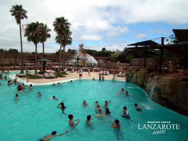 pool splash zone rancho texas lanzarote park